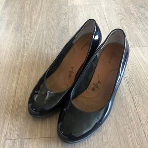 Ros Hommerson Black Patent Leather Heel Size 10WW